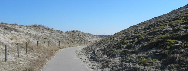 Despite the weather conditions, the route between Scheveningen and Katwijk  aan Zee is beautiful. You ride between dunes in a national park and we saw  lots ...